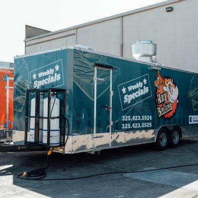 fast-foods-food-trailer-made-by-trailer-king-builders